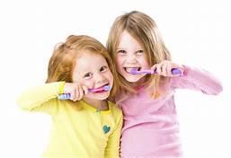 childs-oral-hygiene-teeth-toothpaste