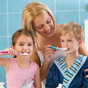 brushing-baby-teeth