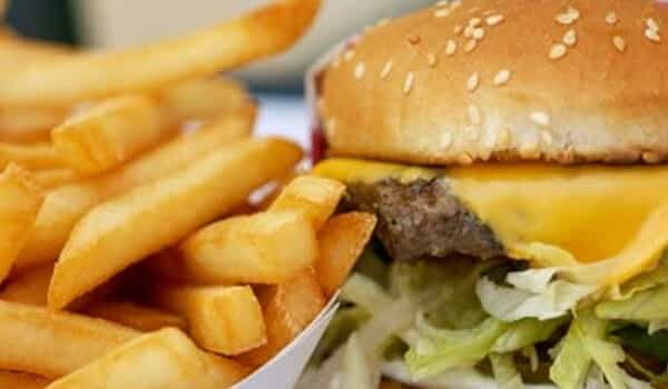 Eating Junk Foods may increase Risk of Allergy and Memory Loss