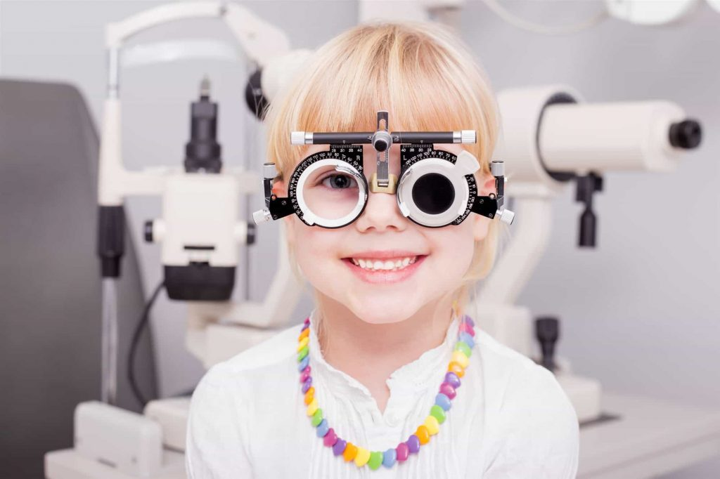 these-5-habits-in-children-is-the-sign-of-eye-weakness