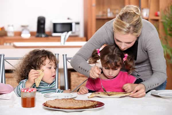 Forcing Kids to Eat Food may Lead to Obesity in Them