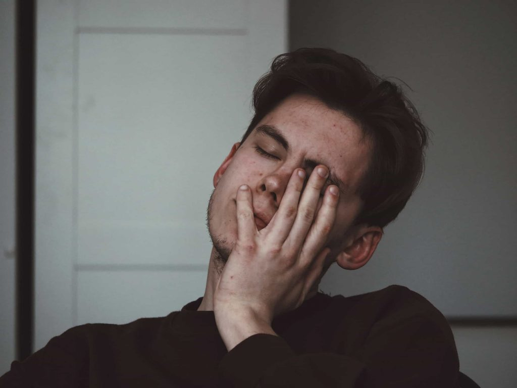 6 Early Stage Symptoms of Depression in Men